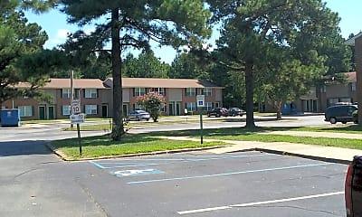 Clinton Manor, 2