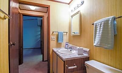 Bathroom, Glenarm Manor, 2