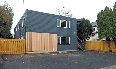 Building, 5516 NE Hoyt St, 0