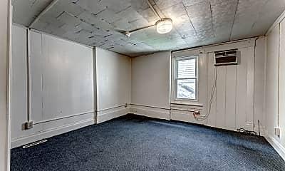 Living Room, 753 Garrison Ave, 2