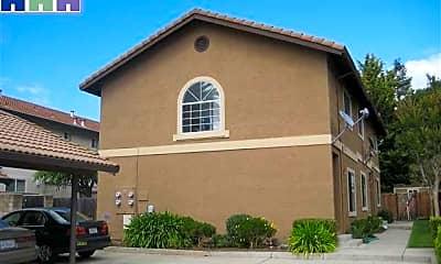 Building, 43572 Bryant St, 2