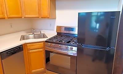 Kitchen, 1146 Ontario St 3E, 1