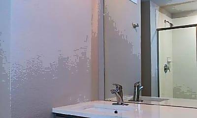 Bathroom, 530 25th St, 2
