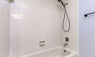 Bathroom, 2914 Richwood Cir, 2
