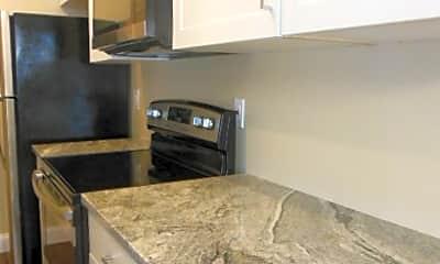 Kitchen, 810 Tiffany Dr W, 1