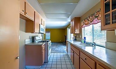 Kitchen, 2614 W Newgrove St, 1