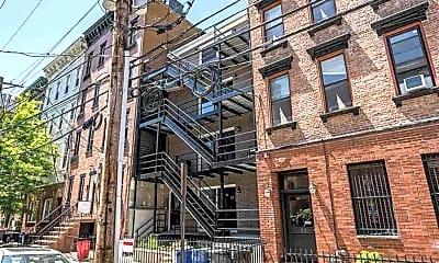 Building, 130 Madison St 4, 0