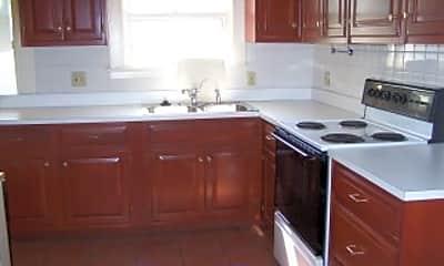 Kitchen, 2411 Woodmere Dr., 1