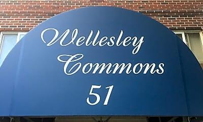 Wellesley Commons, 1