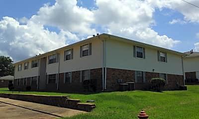 North Hills Apartments, 2
