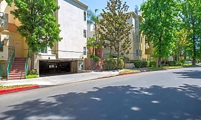 5420 Sylmar Ave 210, 1