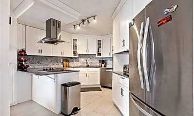 Kitchen, 98 Harmon Cove Tower 222, 0
