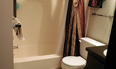 Bathroom, 1810 H St, 2