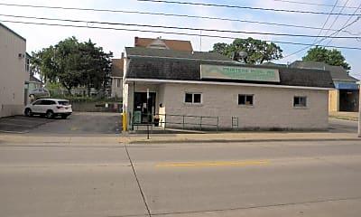 2000 University Ave, 0