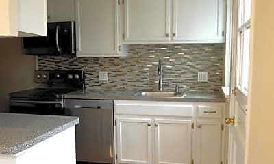 Kitchen, 3364 S Wakefield St A, 1