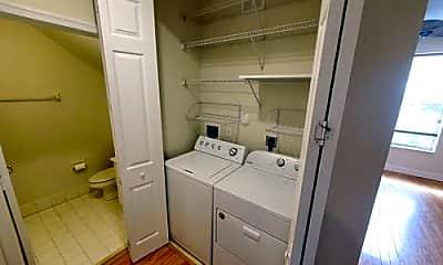 Bathroom, 4329 Parkside Dr, 2
