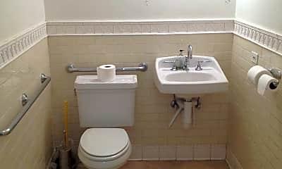 Bathroom, 907 Green Bay Rd, 2