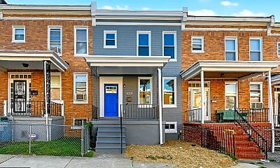 Building, 33 N Abington Ave, 0