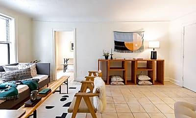 Living Room, 1130 Holcomb St, 1