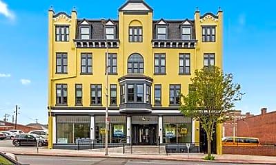 Building, 335 W Market St 4B, 0