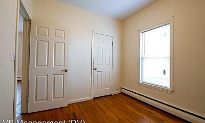 Bedroom, 70 Walnut St, 2