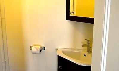 Bathroom, 39 Sharon street, 2