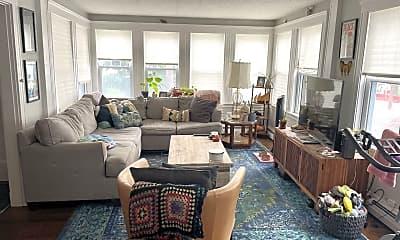 Living Room, 549 Riverside Ave, 1