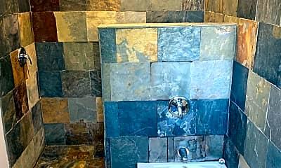 Bathroom, 3470 E 125th St, 2