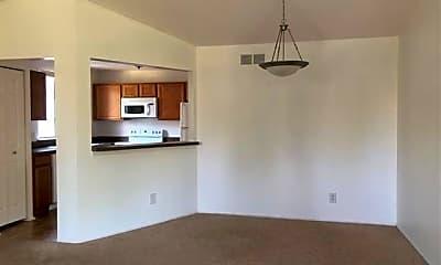 Living Room, 20961 Indian Creek Dr, 2
