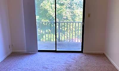 Living Room, 460 Lenney Dr 4, 2