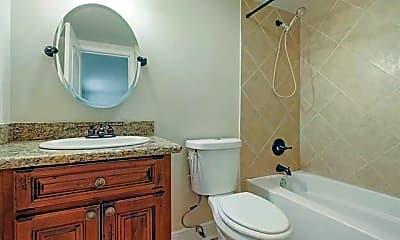 Bathroom, 4513 Banks St, 2