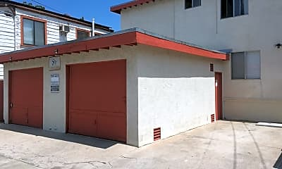Building, 4670 Kensington Dr, 1