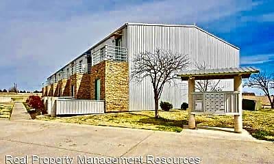 Building, 300 Summit Ridge Dr, 2