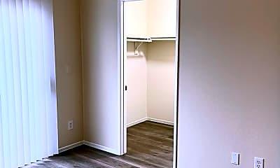 Bedroom, 14309 Sylvan St, 0