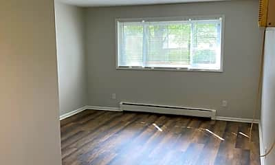 Living Room, 2142 Belmont Ln, 2