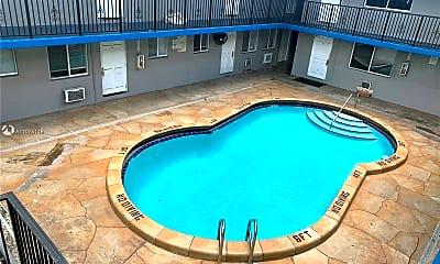 Pool, 37 SW 14th St 7, 0