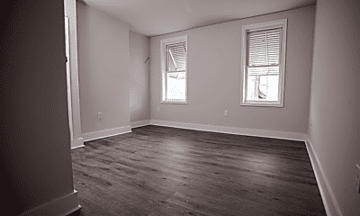 Living Room, 750 E Madison St, 0
