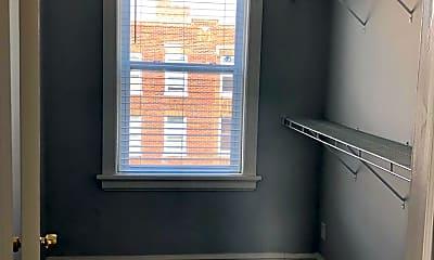 Bathroom, 3300 Russell Blvd, 2