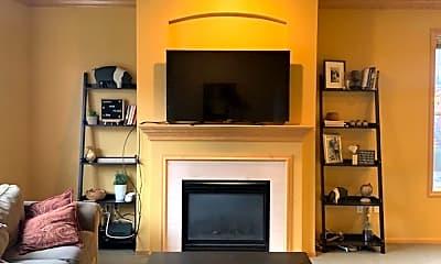 Living Room, 1530 Zarthan Ave S, 1
