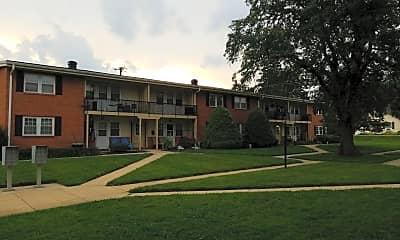 Hickory Court, 0
