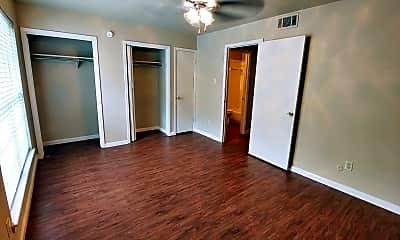 Bedroom, 201 S Park St, 2