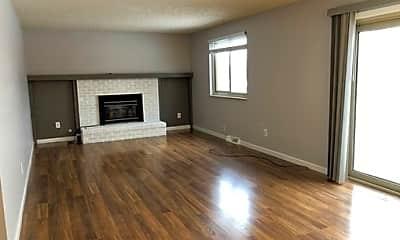 Living Room, 7885 Greenbriar Circle, 1