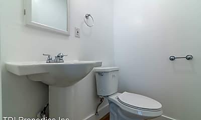 Bathroom, 3940 Nicolet Ave, 2