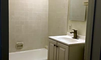 Bathroom, 827 10th St, 2