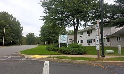 Rocky Knoll Apartments, 1