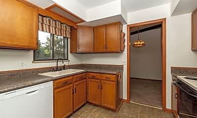 Kitchen, 5863 Queen St, 2