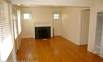 Living Room, 220 E Sola St, 1