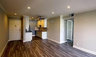 Living Room, 14520 W Magnolia Blvd, 0