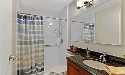 Bathroom, 9 Gerhard Rd, 2