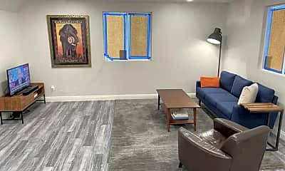 Living Room, 2417 Houston St A, 2